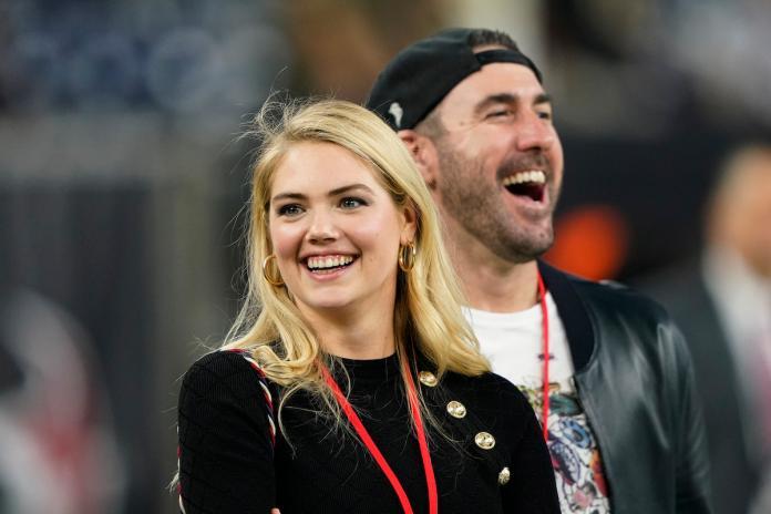 MLB/<b>韋蘭德</b>名模妻觀戰超級盃 球迷見辣照:妳才是贏家