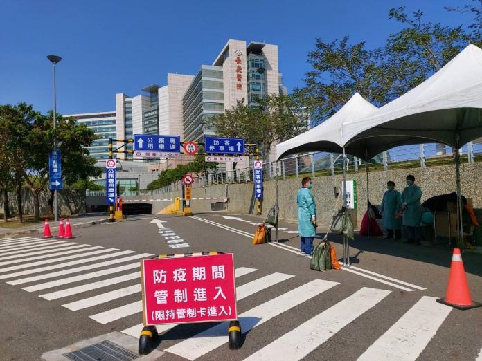 嘉義長庚醫院因應武漢疫情,即日起關閉室內的地下停車場。