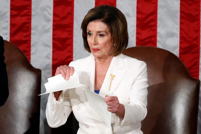 ▲美國聯邦眾議院議長裴洛西(Nancy Pelosi)今天表示,她已指示眾院程序委員會,如果川普不請辭,他們就準備提出彈劾動議。資料照。(圖/美聯社/達志影像)