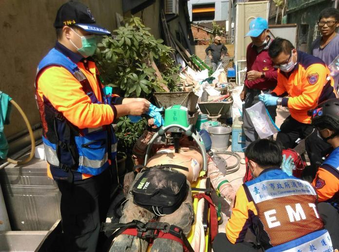 台南安和路工地意外 工人鑿壁遭樓板砸死