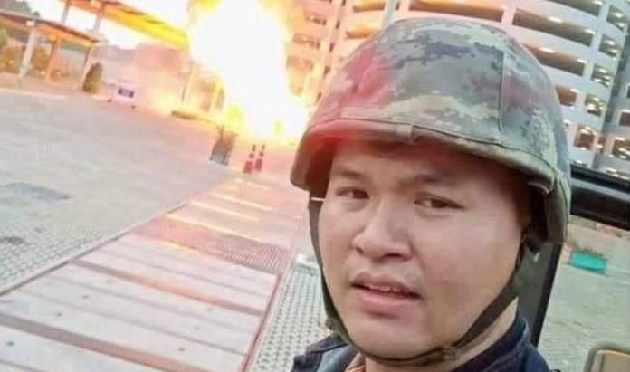 ▲大開殺戒的泰國軍人Jakrapanth Thomm。(圖/槍手臉書截圖)