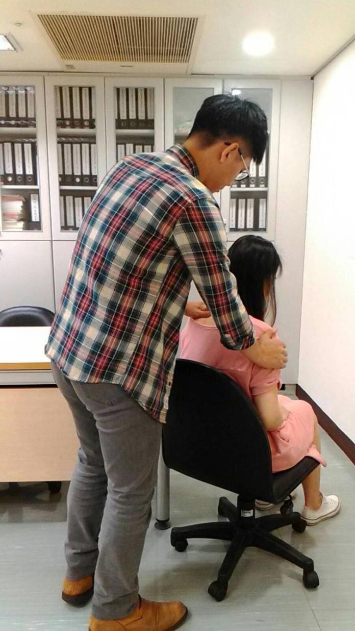 台南有外籍<b>狼師</b> 女童在教室遭撩髮性騷