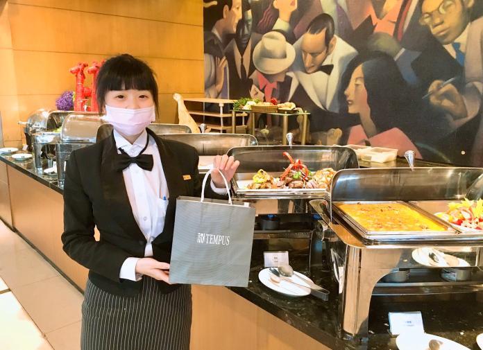 疫情衝擊餐飲業    台中市飯店推「美食外送」突圍