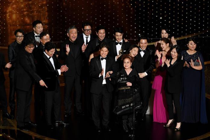 ▲第92屆奧斯卡落幕,南韓電影《寄生上流》勇奪最佳影片在內等4項大獎。(圖/CATCHPLAY提供)
