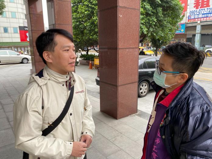 對於陳彩鳳的律師在庭上硬說沒有職場霸凌,護師工會理事長陳玉鳳(右)表示,完全與事實不符