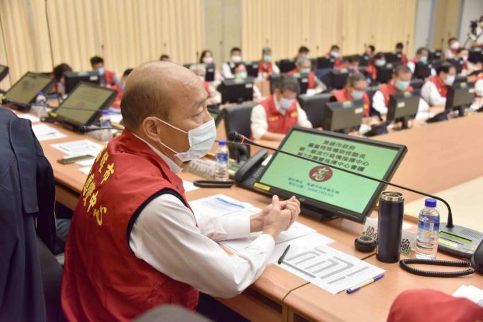 <br> ▲韓國瑜強調,他相當重視肺炎疫情相關的防範措施及紓困方案,所以今日特別北上親自參加行政院會。(圖/高市府提供)