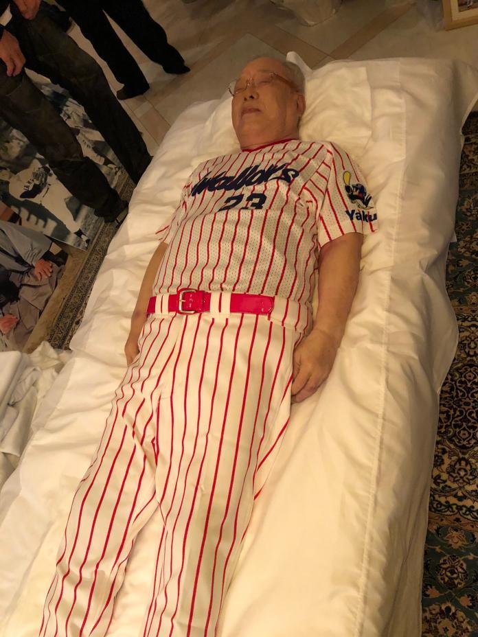 日職/<b>野村克也</b>遺像被公開 穿著養樂多球衣十分安詳