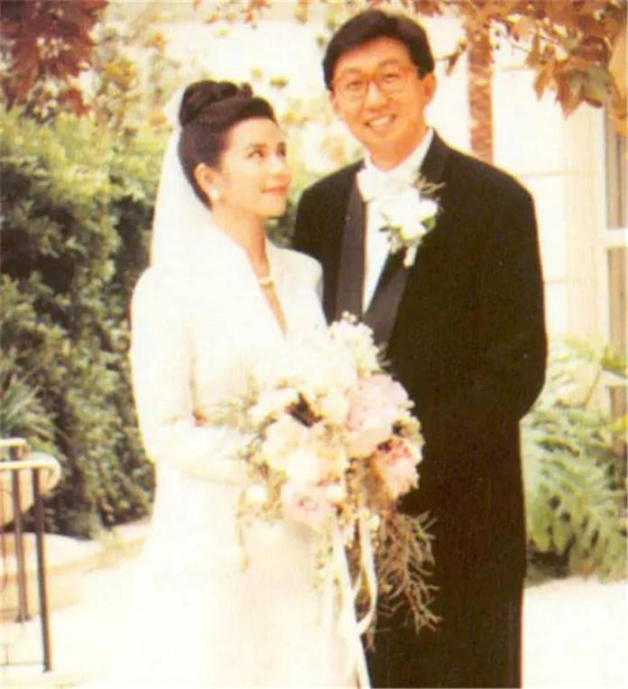 <br> ▲鍾楚紅與朱家鼎結婚16年。(圖/取自新浪微博)