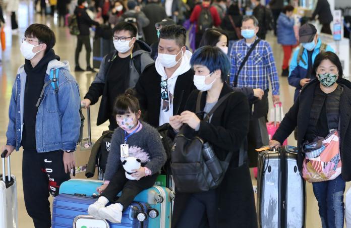 ▲隨著武漢肺炎疫情在日本升溫,美國 CDC 也將其列入 1 級旅遊警示的範圍。圖為近日關西國際機場。(圖/美聯社/達志影像)
