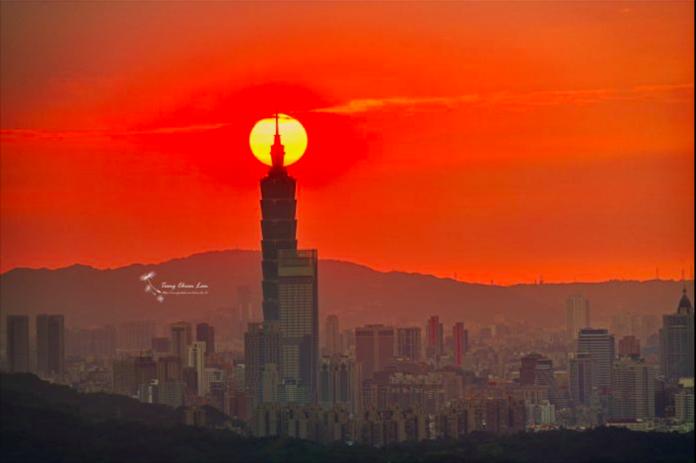 就是這幾天!看台北101串丸子奇景