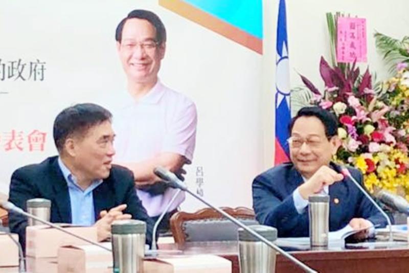 郝龍斌 (左)、呂學樟 (右)。( 圖 / 郝龍斌辦公室提供 )