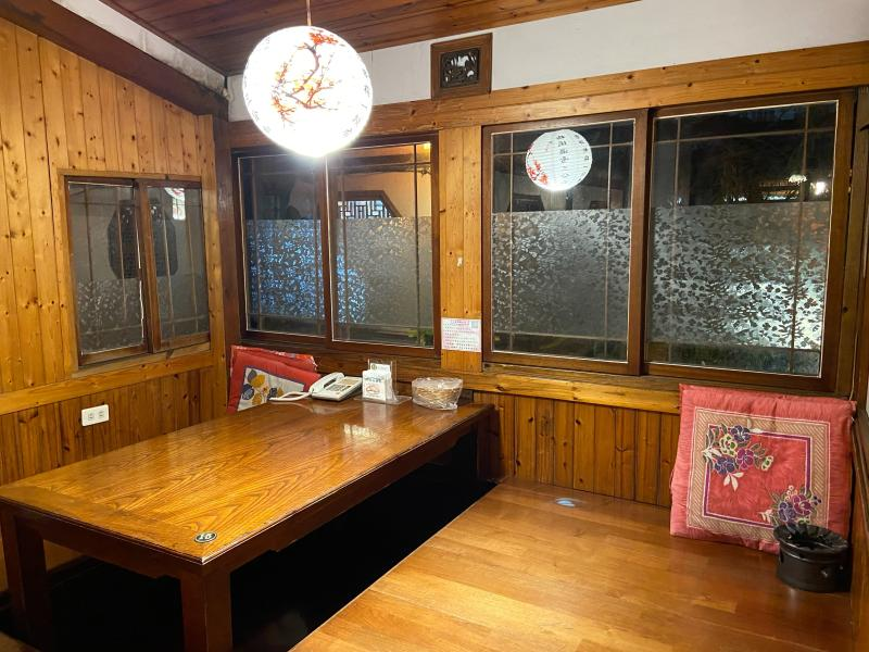 ▲以中國風設計,十分古色古香的飲茶包廂(圖/記者陳問荷攝影)