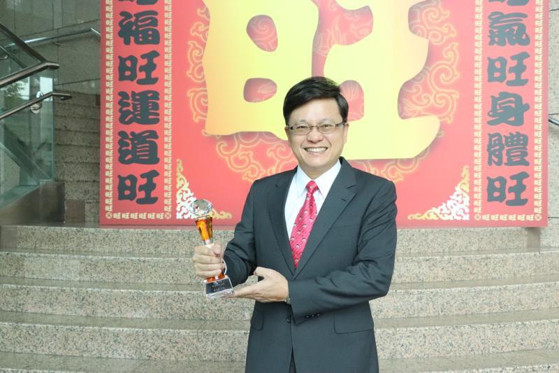 中天氣象主播戴立綱榮獲「2019年度最佳氣象主播獎」肯定。(中天新聞台提供)