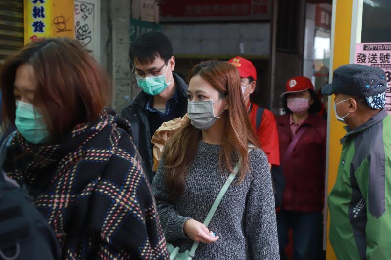 武漢肺炎防疫配圖(口罩、量體溫)_200219_0072