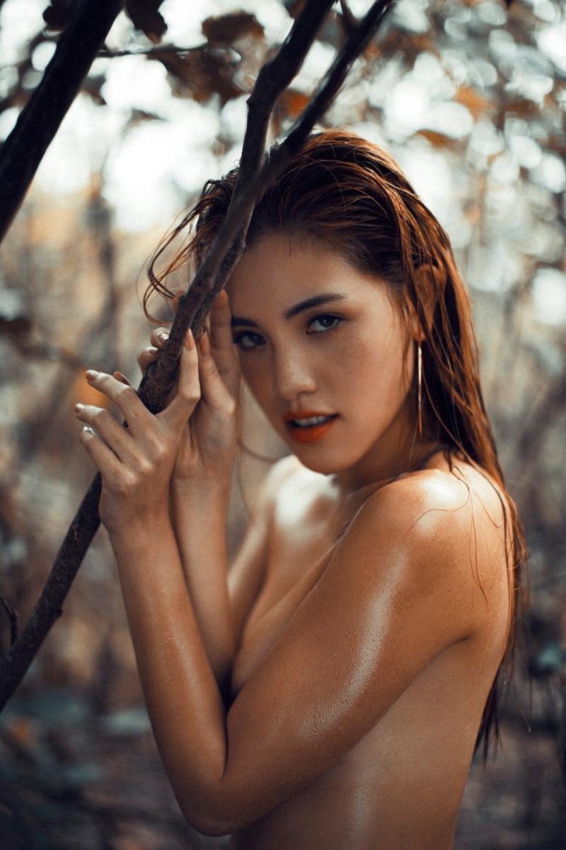 <br> ▲書那娜三點不露的性感裸照。(圖/微風國際)