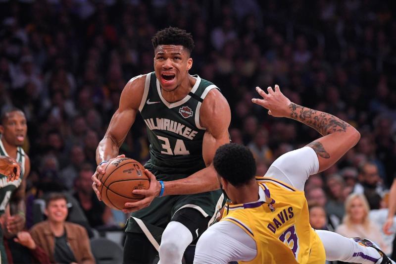 NBA/字母哥籃下華麗轉身 把魔獸晃傻還灌籃得逞