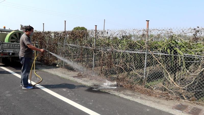 <br> ▲防疫所也派消毒車在現場周邊環境進行消毒。(圖/記者陳雅芳攝,2020.03.09)