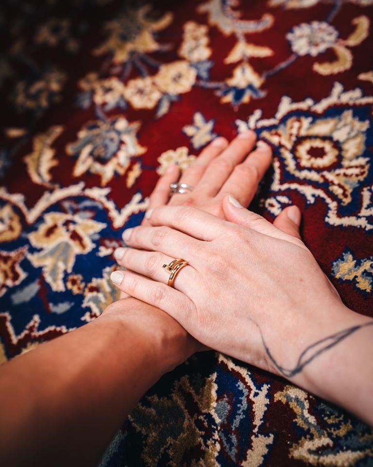 <br> ▲歐陽靖已和男友在東京完成結婚入籍手續。(圖/翻攝歐陽靖臉書)
