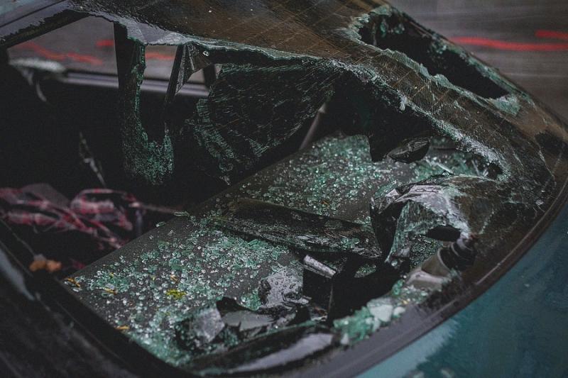 座車撞毀不修了 謊報失竊詐得保險金34萬元