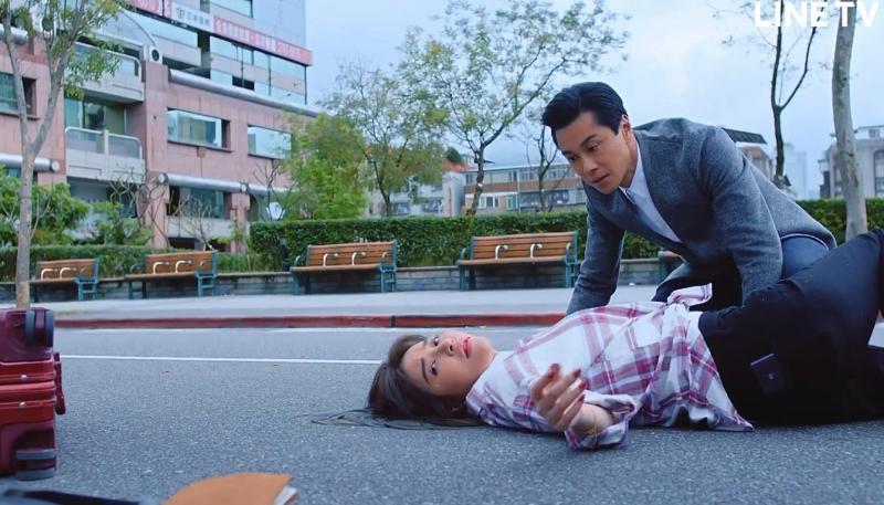 <br> ▲許維恩飾演黃浩然飾演失散多年的妹妹。(圖 / LINE TV提供)