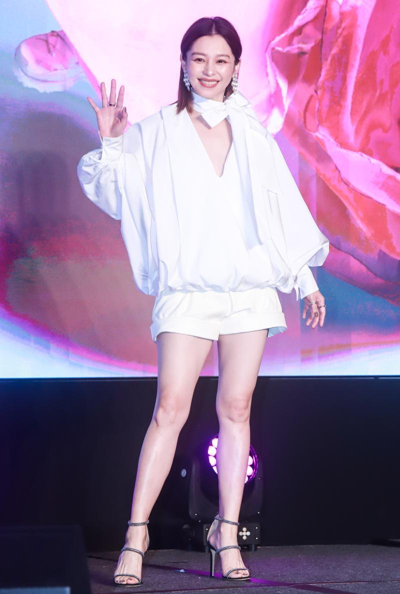 ▲徐若瑄加盟索尼音樂和新單曲〈別人的〉記者會。(圖/記者葉政勳攝 , 2020.03.19)