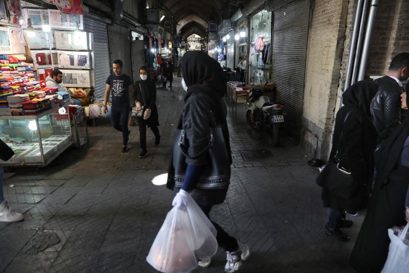 ▲雖然適逢伊朗傳統新年,但今年受到武漢肺炎疫情影響,本該熱鬧的街頭似乎黯淡許多。(美聯社/達志影像)