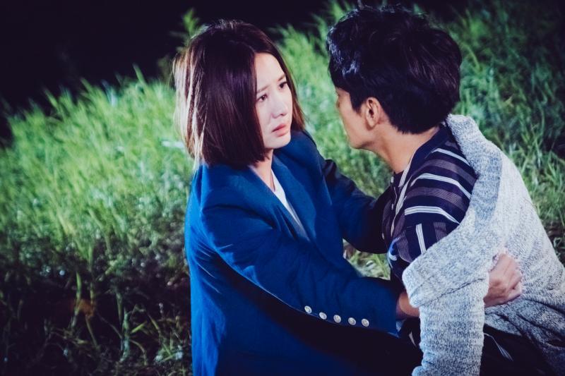 <br> ▲宋柏緯與安心亞(左)主演《墜愛》。(圖 / TVBS提供)