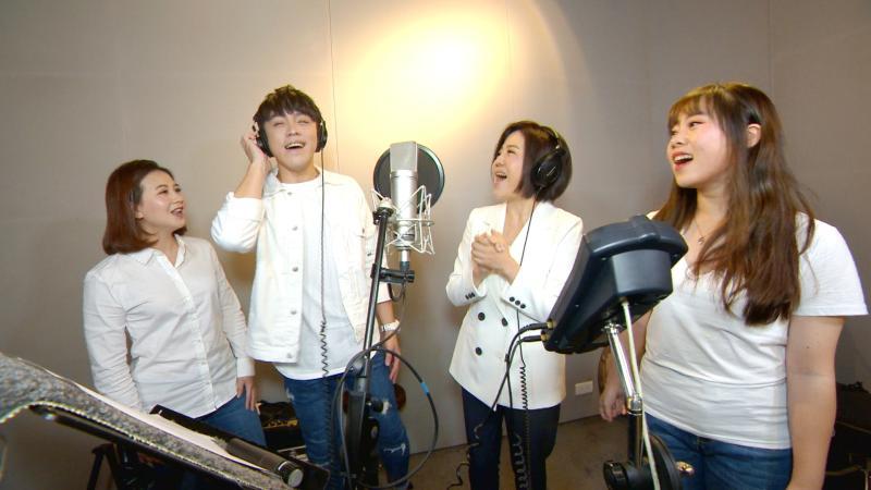 為防疫歌曲〈愛的勇氣〉獻聲 于美人直呼:唱歌好難!