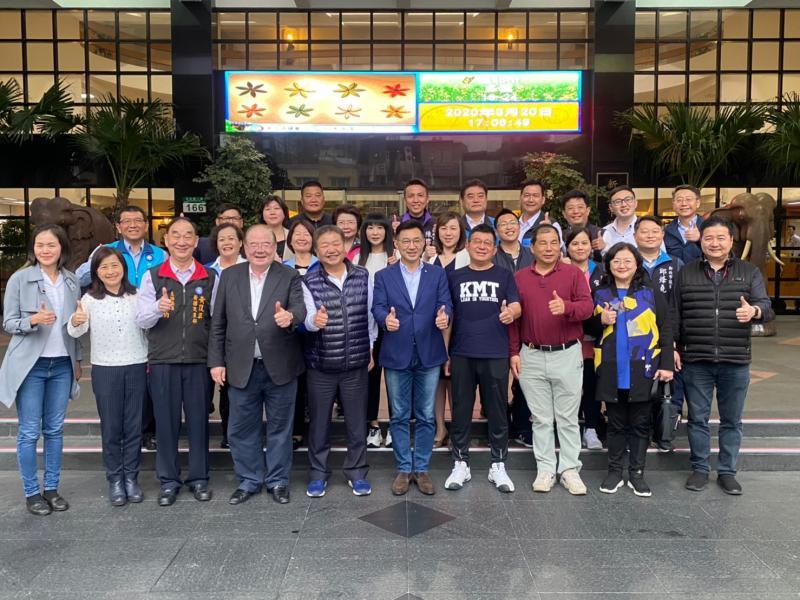 國民黨主席江啟臣20日拜會新北市與黨員交換意見。(圖/國民黨提供)