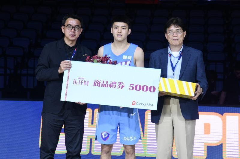 UBA/手臂寫下「TEAM」相信隊友!健行主控林俊吉奪MVP