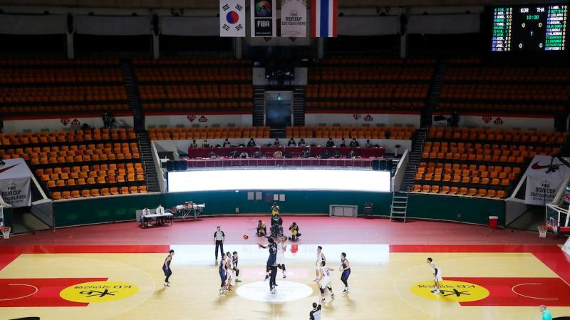 籃球/獨步全球!國際籃總急籲球員待在家 台灣照打不誤