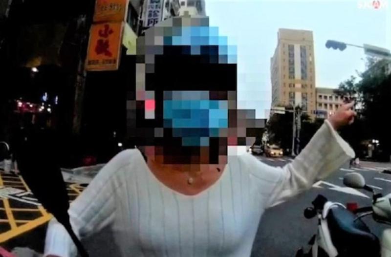 婦人柬埔寨回國後「第二天就騎車外出」 遭警方攔查開罰