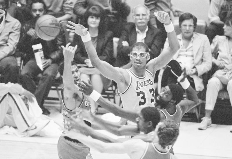 NBA/魔術強森推特讚賈霸史上最偉大 竟釣出本人親回