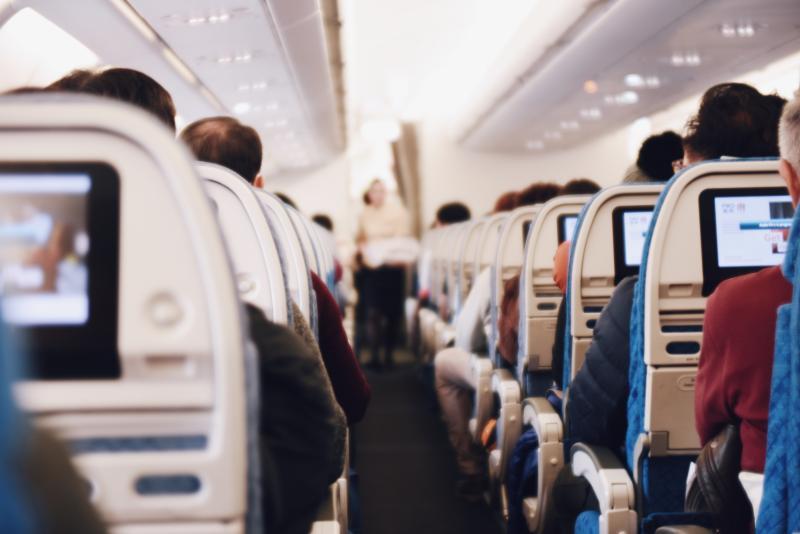 ▲航空公司表示,飛機起飛前,都會先根據乘客及行李,經過載重平衡的計算。(示意圖/取自 Unsplash )