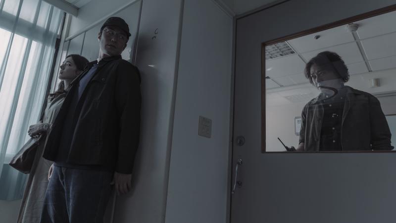 <br> ▲張孝全與許瑋甯在劇中組成另類拍檔,兩人背著刑警隊長王識賢秘密追查案情。(圖 / Netflix提供)