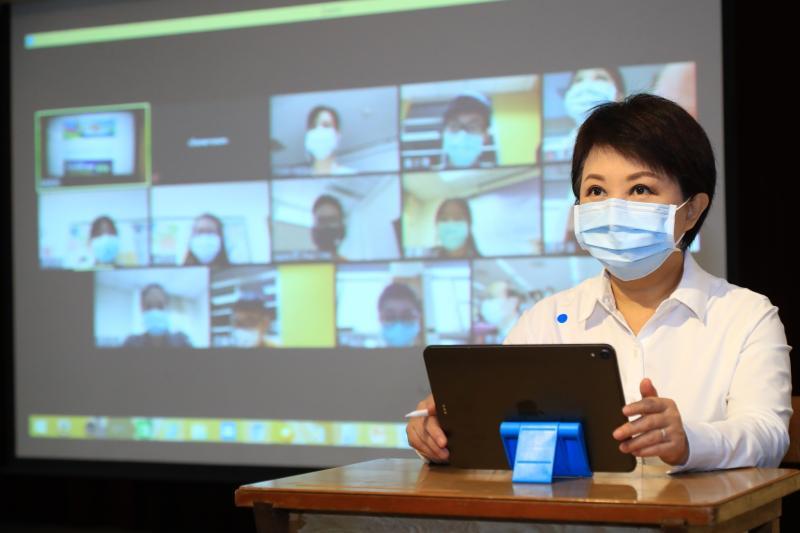 中市因應疫情「<b>遠端教學</b>」啟動 「盧同學」體驗線上教學