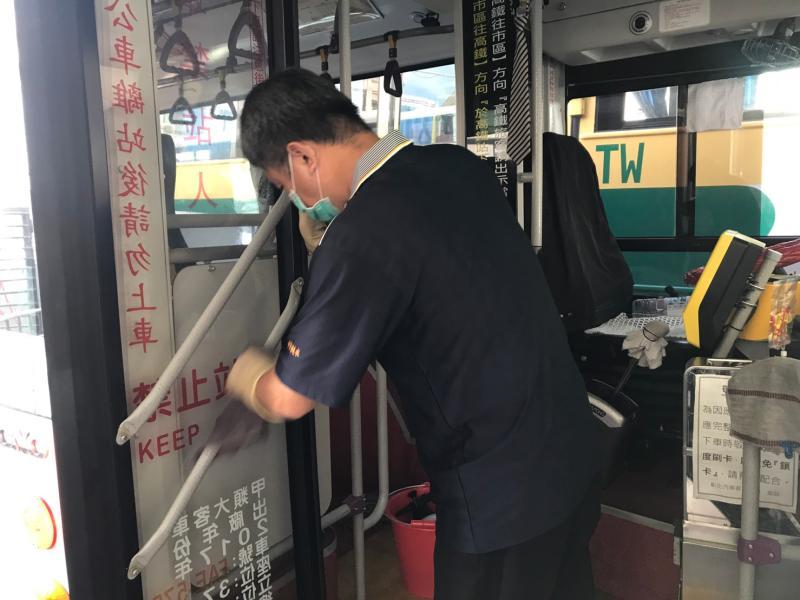 影/清明假期搭客運 交通運輸防疫大作戰