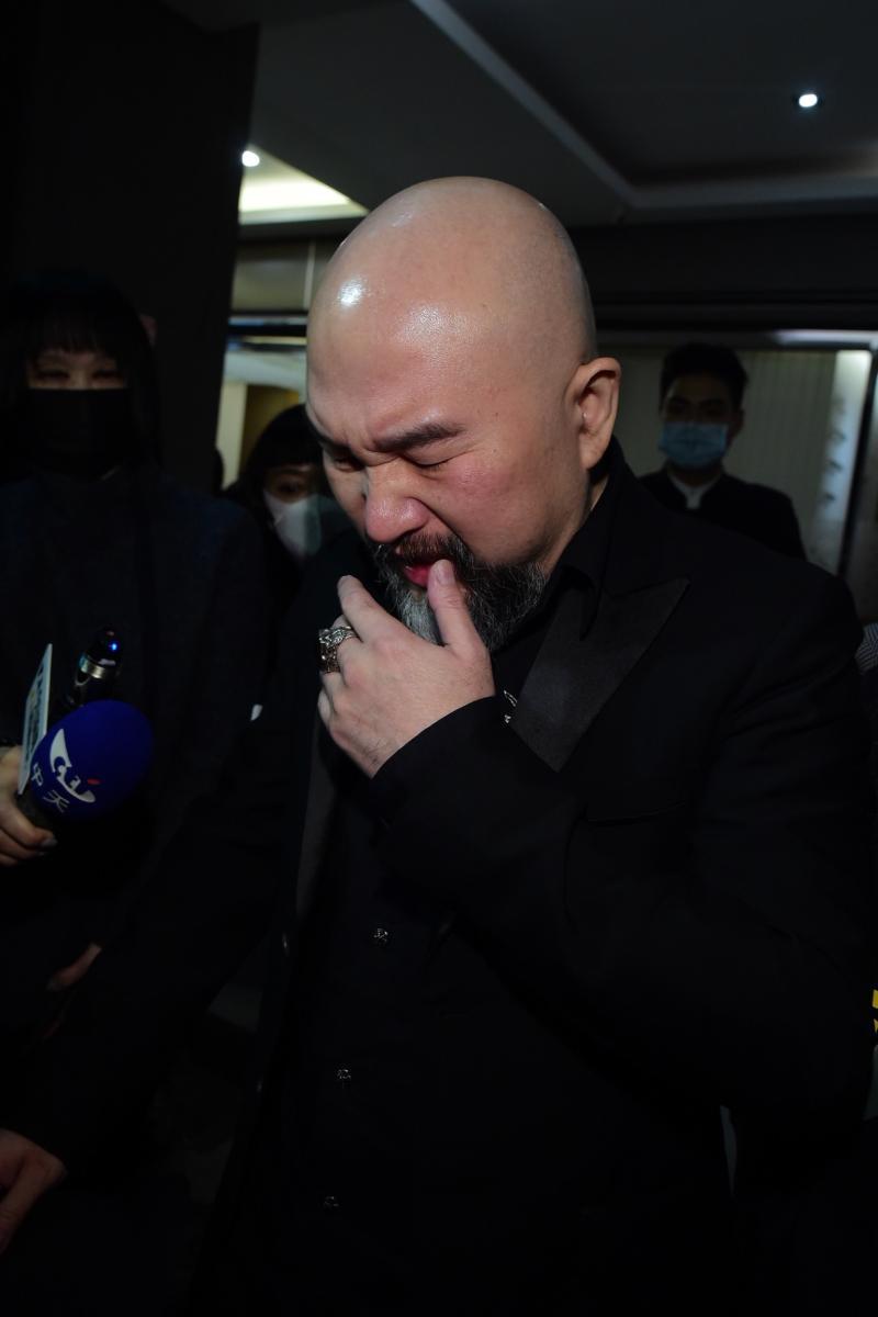 ▲辛龍聽到媒體的問候,又忍不住紅了鼻頭。(圖/記者林柏年攝)