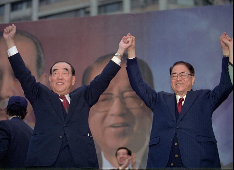 ▲郝柏村曾與林洋港搭配參選1996年正副總統。(圖/美聯社/達志影像)