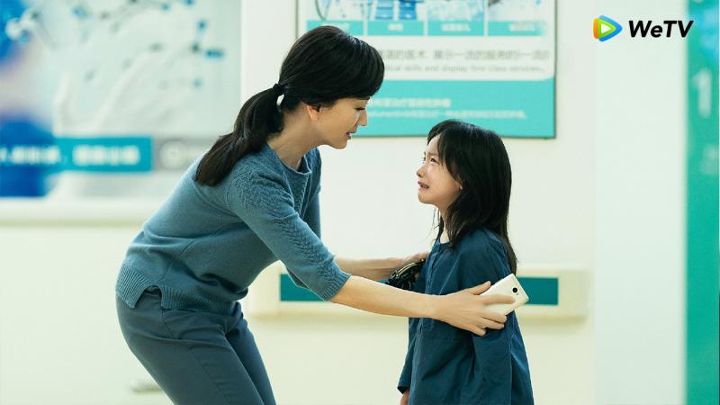 <br> ▲趙雅芝(左)在劇中是周迅親生母親。(圖 / WeTV提供)