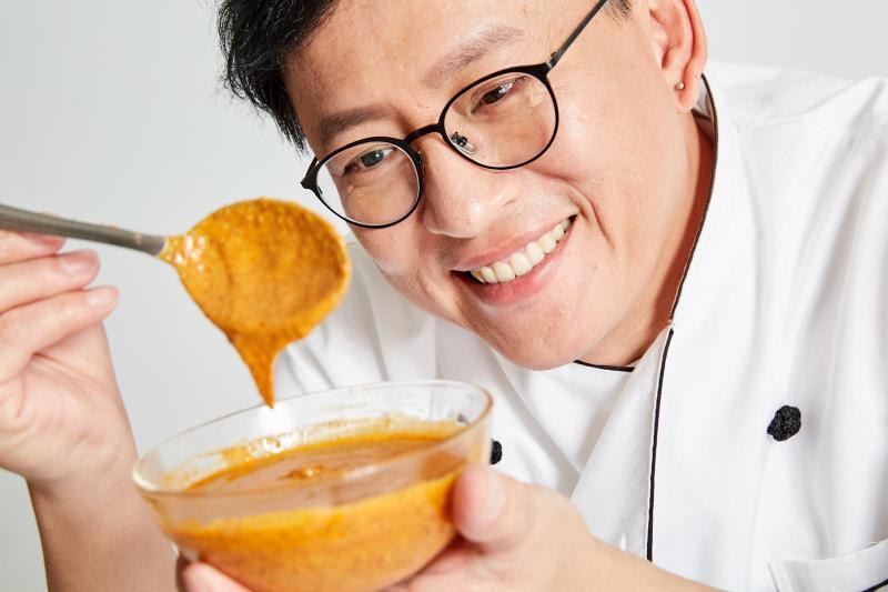 <br> ▲▼詹姆士自創拌麵品牌在日本獲獎。(圖 / 傑星提供)