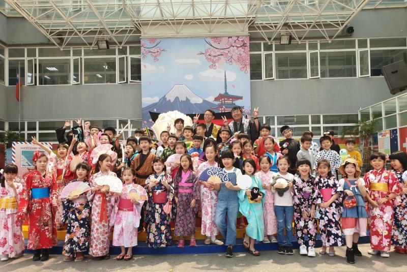 疫情延燒中的兒童節 私立國小辦浪漫「櫻花祭」很療癒