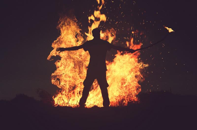 ▲54 歲男子翁仁賢, 4 年前於除夕夜時,朝自家潑灑汽油縱火,造成包括親生父母在內共 6 人死亡。翁男被起訴後,判決死刑定讞,並於昨(1)晚執行槍決伏法。(圖/翻攝自台灣廢除死刑推動聯盟 TAEDP 網站)