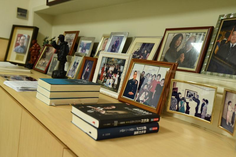 前行政院長郝柏村退休後的書房最近曝光。( 圖 / 記者林柏年攝 )
