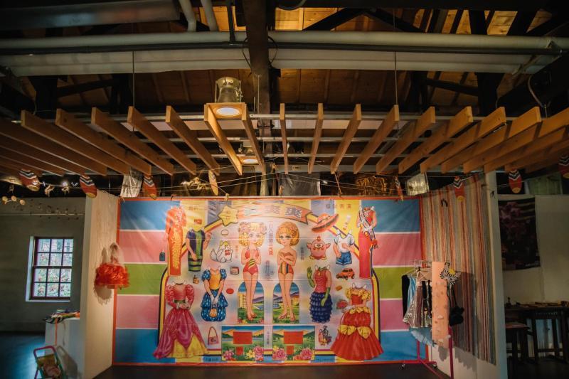<br> ▲紙娃娃穿戴秀體驗區,好玩好拍。(圖/攝影師林盈吉提供,2020.04.04)