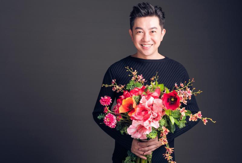 ▲李明川迷上花藝。(圖/ 伊林娛樂、出色文化提供)
