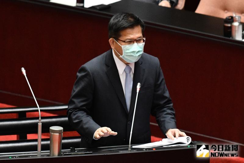 交通部長林佳龍赴立法院備詢。(圖/記者林柏年攝,2020.04.07)