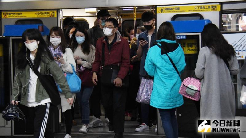 ▲捷運是許多學生、上班族通勤主要搭乘的交通工具。(示意圖/NOWnews資料圖片)