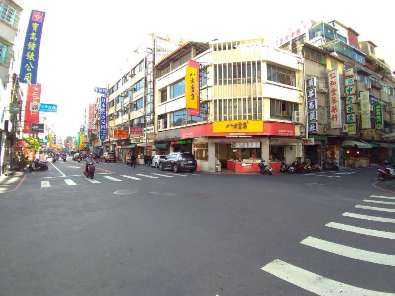 NOWNEWS0409_彰化市中心透天厝需求高,價格年年漲。圖為市中心民族路。