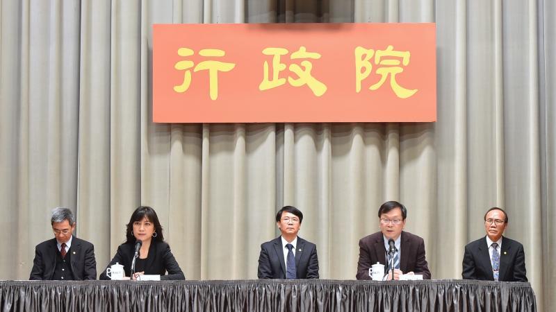 4月9日行政院會後記者會。( 圖 / 行政院提供 )